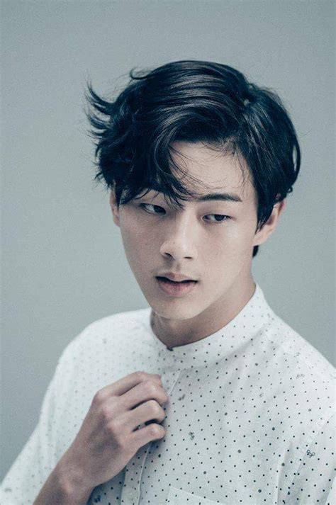korean actor hairstyles 261 best korean actors images on pinterest korean actors
