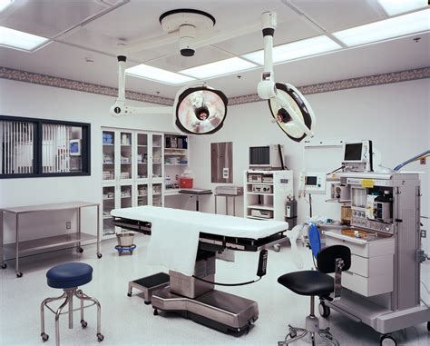 Surgical Room by Office Construction On The Level With Gardner Fox