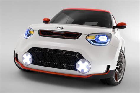 Kia Car Maker Kia Quoris Aims Kia Promotes Premium Aspirations Goauto