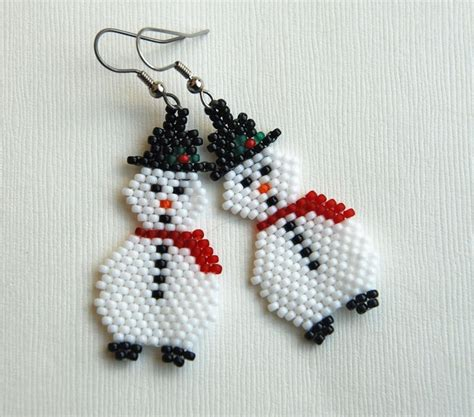 pattern for beaded christmas earrings 156 best brick stitch christmas images on pinterest seed