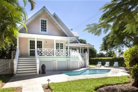 Coastal Cottages For Sale In Olde Naples Fl Florida Cottages For Sale