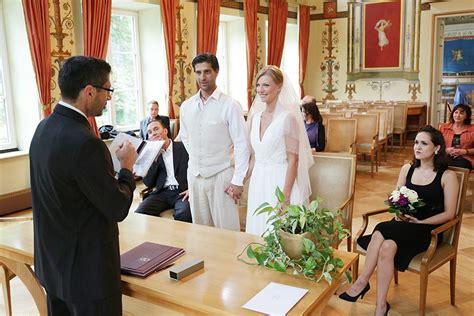 Hochzeitsfotos Standesamt by Hochzeitsfotograf M 252 Nchen Hochzeitsfotos Aus Dem Standesamt