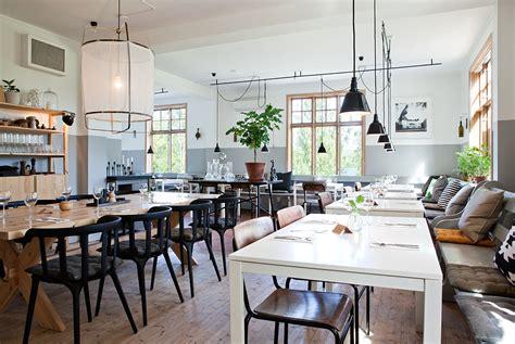 Restaurant Decor Styles by Decordots