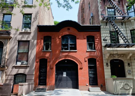 a converted carriage house brooklyn heights tom montague street the shopping street of historic brooklyn