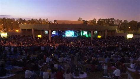 Aaron S Amphitheatre At Lakewood Limo Buses And The O Jays Aaron S Landscaping