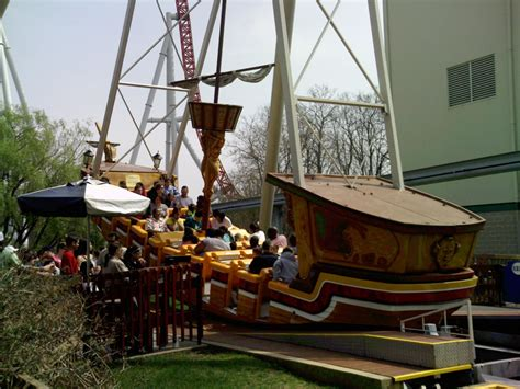 swinging ship pirate ships swinging ships page 2 theme park review