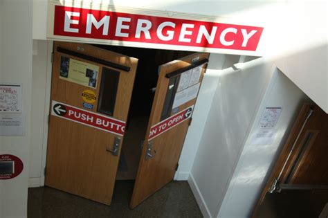 yale new hospital emergency room sticker shock in the er why yale says you could be overpaying at the hospital fox 61
