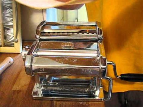 Harga Atlas Pasta Engine using the marcato atlas pasta machine 150