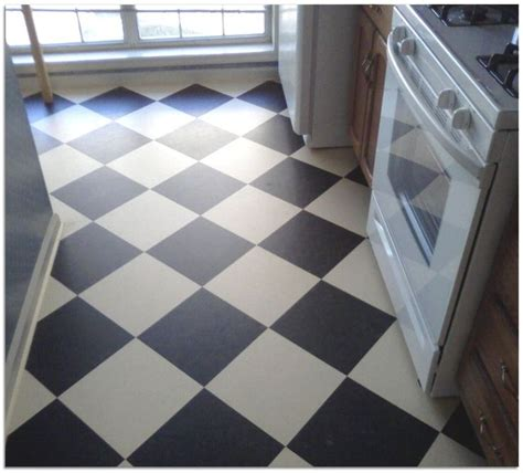 checkerboard pattern vinyl flooring 1000 images about bath on pinterest craftsman bathroom