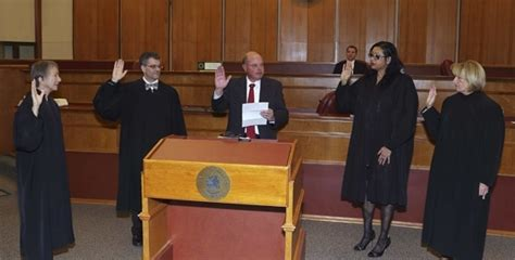 Oakland Circuit Court Search Incumbent Oakland Circuit Court Judges Sworn In Gt Oakland County News