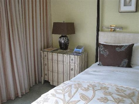left side of the bed left side of bed with cd player and alarm radio clock picture of the kahala hotel