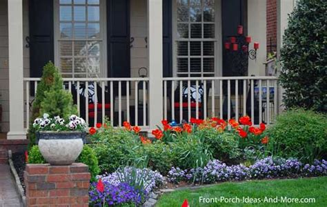 Front Porch Garden Ideas Flower Bed Along Back Fence Backyard Flower Beds Fence And Beds