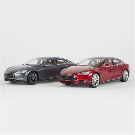 Tesla S News Tesla Motors Is Now Selling 1 18 Scale Model S Diecast