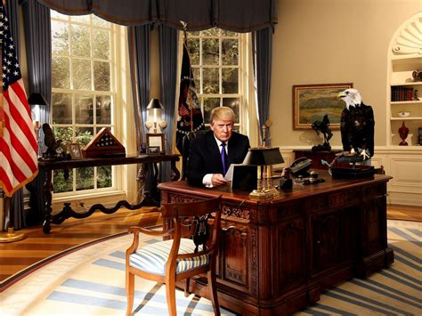 spot the change in president trump s oval office the trump hillary would put oval office up for sale true