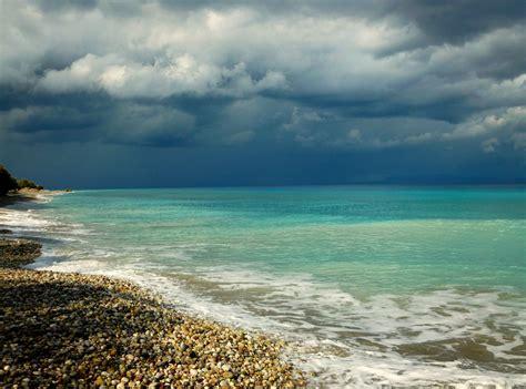 wallpaper awan hujan wallpaper laut teluk pantai langit hujan awan awan