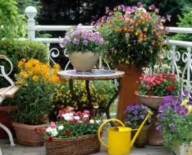 mixing pots urns of different size shape can make for