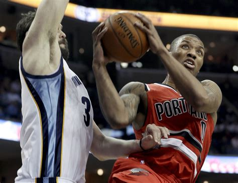 Nba Rookie Of The Year Also Search For Portland S Damian Lillard Unanimous Choice As Nba Rookie Of The Year Toronto