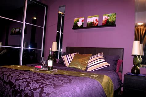 purple walls in bedroom purple walls bedroom decobizz com