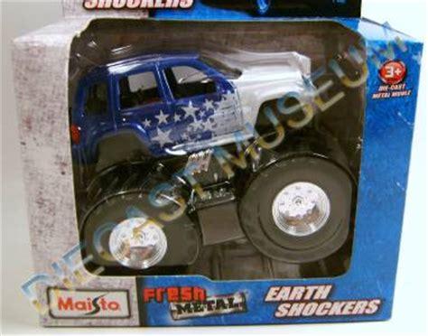 Best Seller Diecast Maisto Fresh Metal Earth Shockers Rippin Rhino jeep liberty truck earth shockers fresh metal