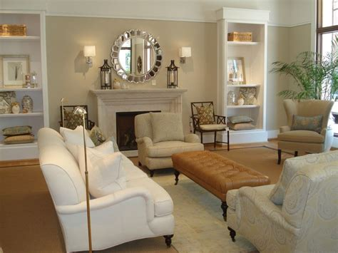 benjamin moore paint colors for living room benjamin moore shaker beige and navajo white trim dining room color colors for living room