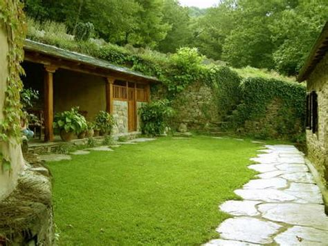 home design ideas small garden ideas with grass