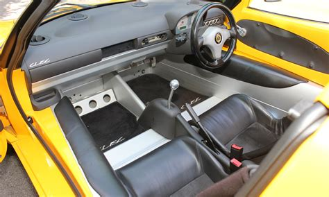 lotus elise s1 interior lotus elise s1 118bhp just as as the pictures