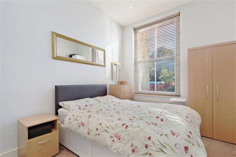 2 Bedroom Flat Landlord by 2 Bed Flat To Rent Oakley Sw3 5hb