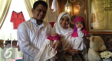 Jilbab Anak Pakai Nama oki setiana dewi ingin kedua anaknya kenakan sejak dini showbiz liputan6
