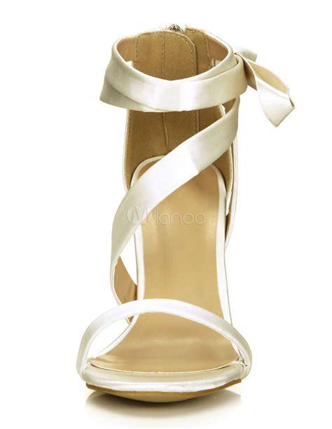 sandales chic de mari 233 e en satin ivoire avec zip 224 talons aigus ruban aux chevilles milanoo