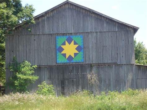 quilt pattern on barns in kentucky quilt barn rowan co ky barns quilt pinterest
