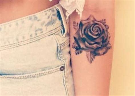 imagenes de tatuajes de rosas para mujeres imagenes de tatuajes para mujeres rosa en antebrazo