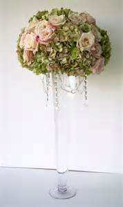 trumpet vase centerpiece with crystalsvendors thistledown