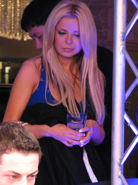 2009 WSOPE Update: Tom 'durrrr' Dwan Leads Event #3, Has Hot Girlfriend   Wicked Chops Poker