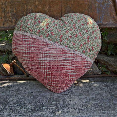 arredo garden cuscino d arredo country a forma di cuore