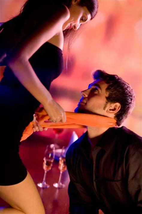 how to seduce your husband in bed 10 tricks to seduce your man on valentine s day 2012