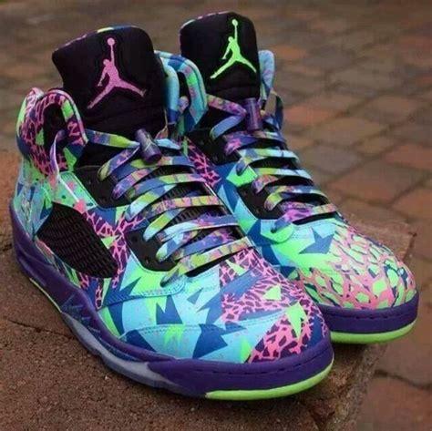 cool looking shoes shoes colorful pattern retro jordans jordans cool