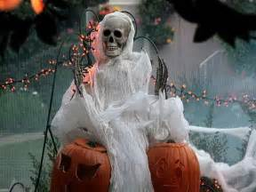Pictures Of Scary Halloween Decorations Decoration Wonderful And Good Halloween Decorations