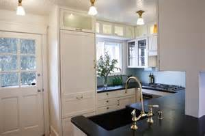 Small Kitchen Design Houzz by Big Kitchens Vs Small Kitchens What S Your Preference