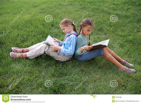 preteen school girl photos preteen school girls reading books royalty free stock