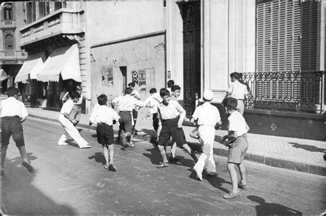 imagenes de niños jugando futbol en la calle pasate y mir 225 fotos antiguas de nuestro pa 237 s im 225 genes