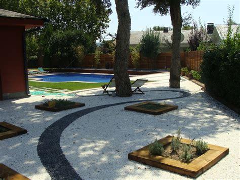 jardines con gravilla jardines mantenimiento con fixgrav grava de color