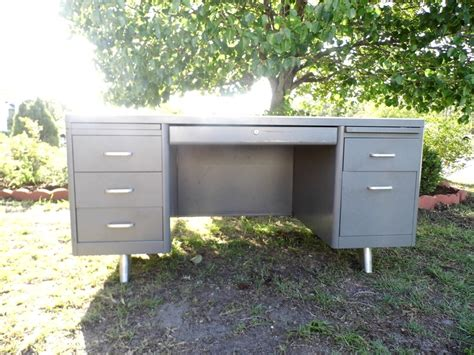 1000 ideas about metal desk makeover on metal
