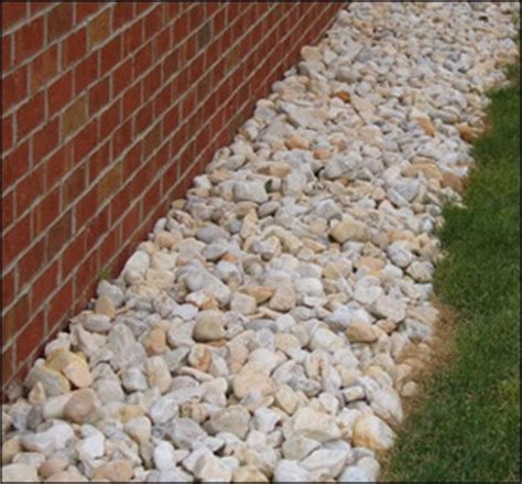 colored gravel light colored gravel landscaping ideas