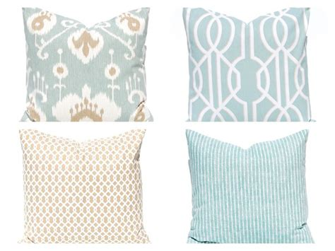 pillows for tan couch 1000 ideas about tan couch decor on pinterest