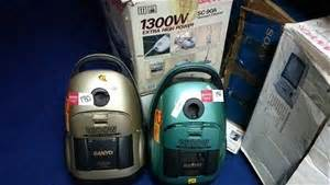 Vacuum Cleaner Sanyo 350 Watt 2 x sanyo 1600w vacuum cleaner display model no hose or handle note w auction 0180