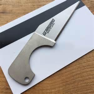 review gearward hemisere titanium lapel knife