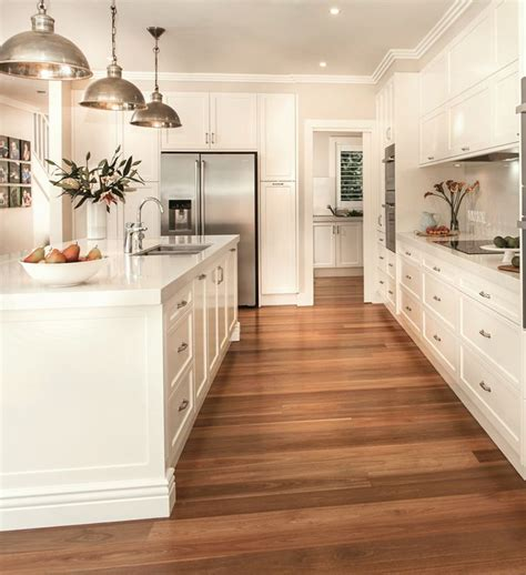 Kitchens With Wood Floors And Cabinets Best 25 Classic White Kitchen Ideas On Pinterest Wood Floor Kitchen All White Kitchen And
