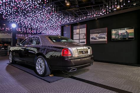 roll royce singapore rolls royce kicks off the icon tour in singapore