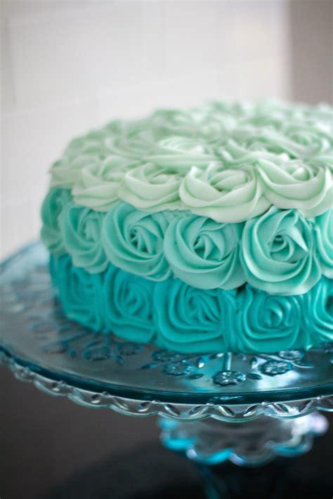 kuchen farbe aqua cake on blue cake pops cakes