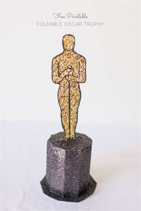 How To Make An Oscar Trophy Out Of Paper - image gallery oscar statue printable